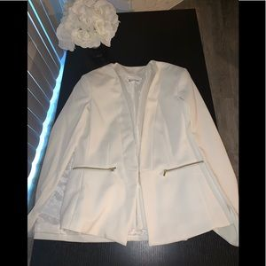 NWOT New York and Company Ivory cape